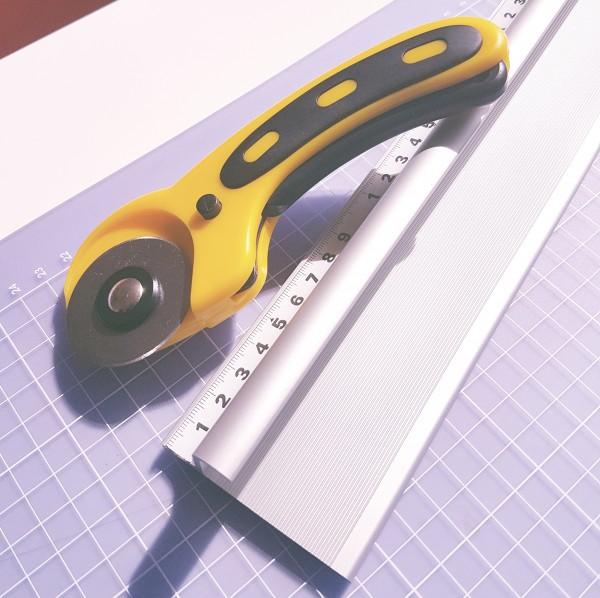 Sicherheits- Schneidelineal, Aluminium 305cm